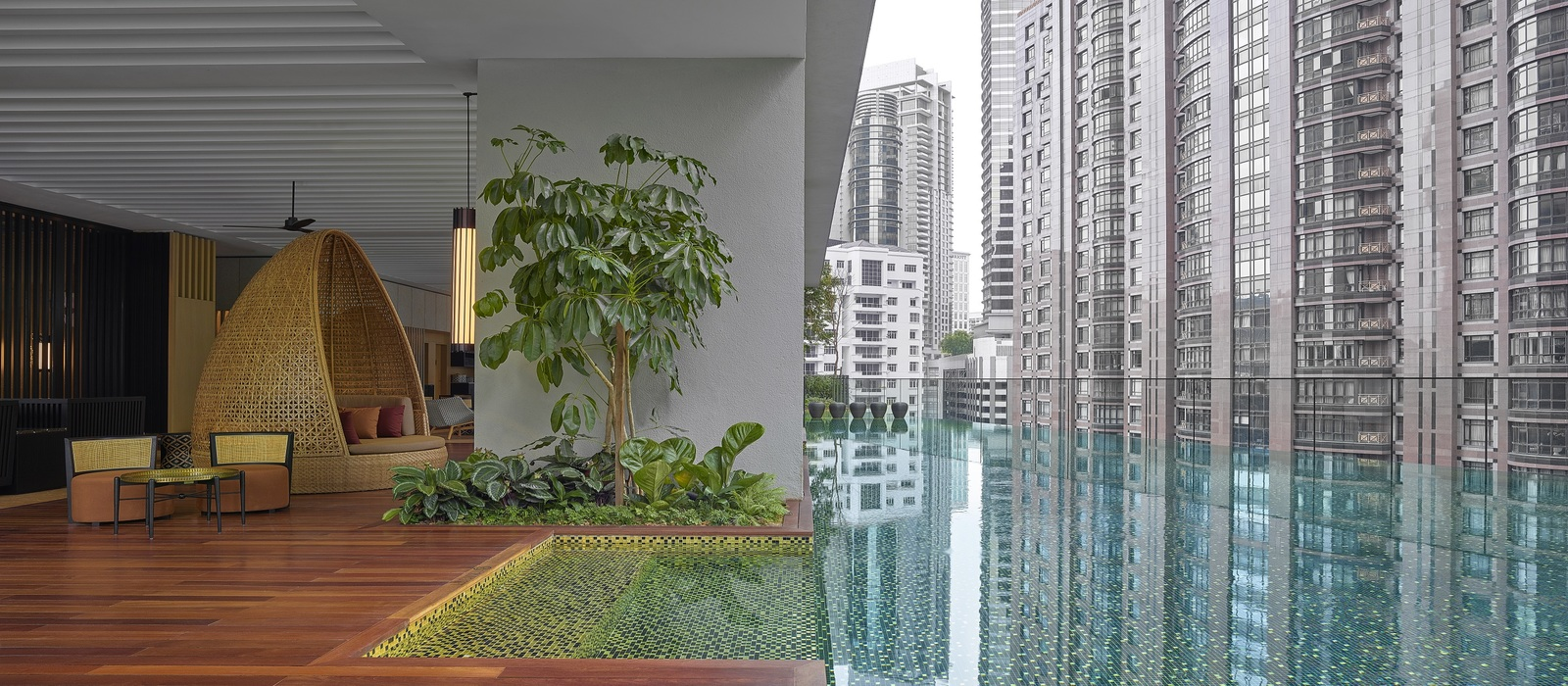 The RuMa Hotel and Residences swimming pool